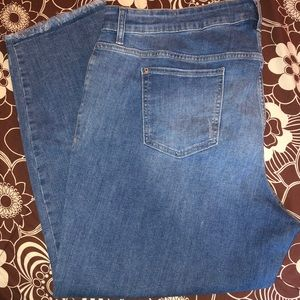 NEW w/o tags Old Navy Boyfriend frayed ankle crops